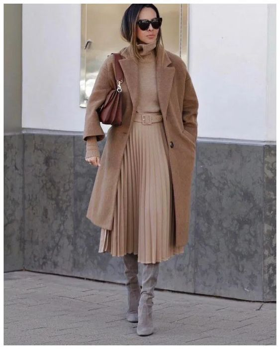 С чем носить бежевое пальто весной: модные идеи на любой случай
