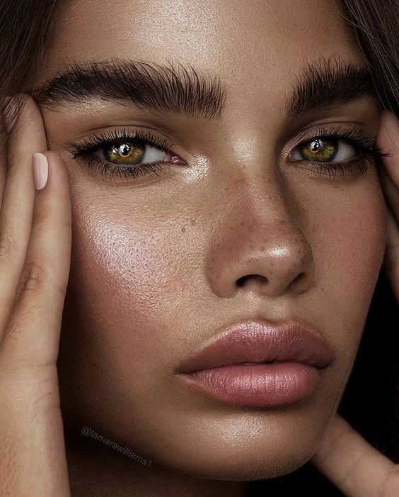 Как ухаживать за губами, чтобы они не обветривались зимой