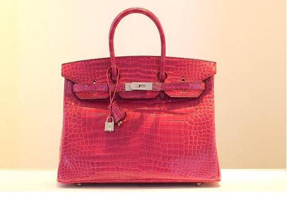 В Китае была продана самая дорогая в истории сумка от Hermes