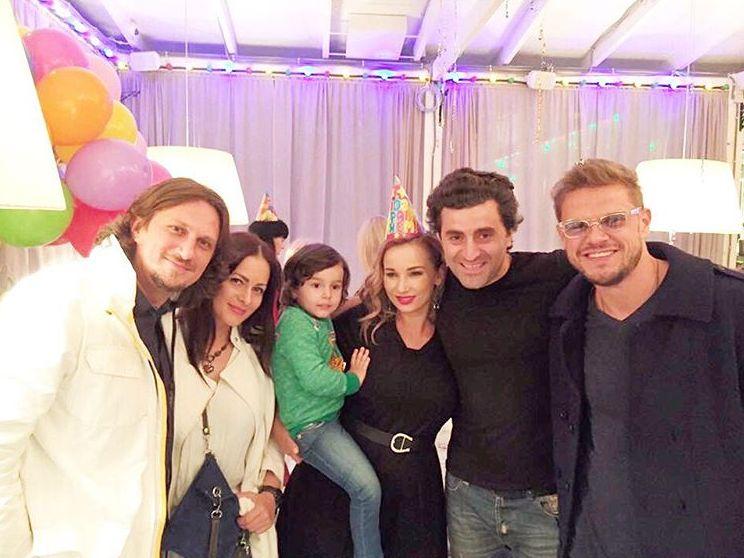 Анфиса Чехова устроила мужу сюрприз в его день рождения