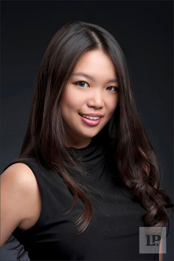 Художница Хонг Юи совместила косметику и китайское искусство