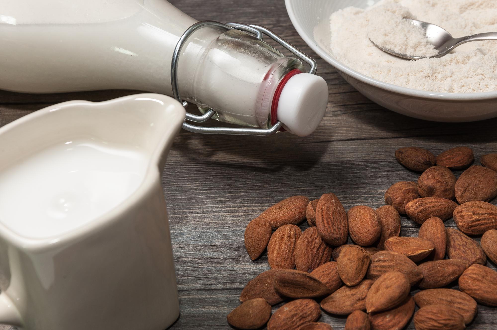 Диетолог назвала полезные свойства растительного молока