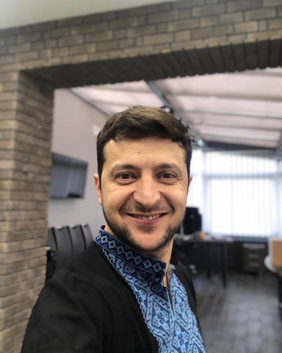 Джаред Лето, телешоу и духи: На кого подписан в Инстаграм новый президент Украины