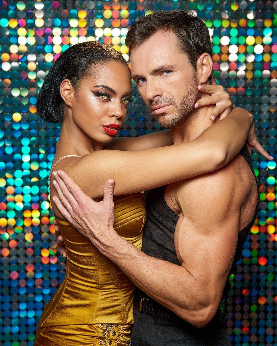 Сергей Мельник показал сексуальные танцы своей партнерши