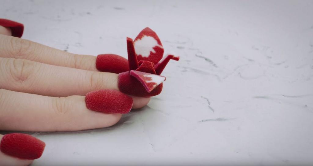 Яркие модели накладных ногтей, напечатанных на 3-D принтере