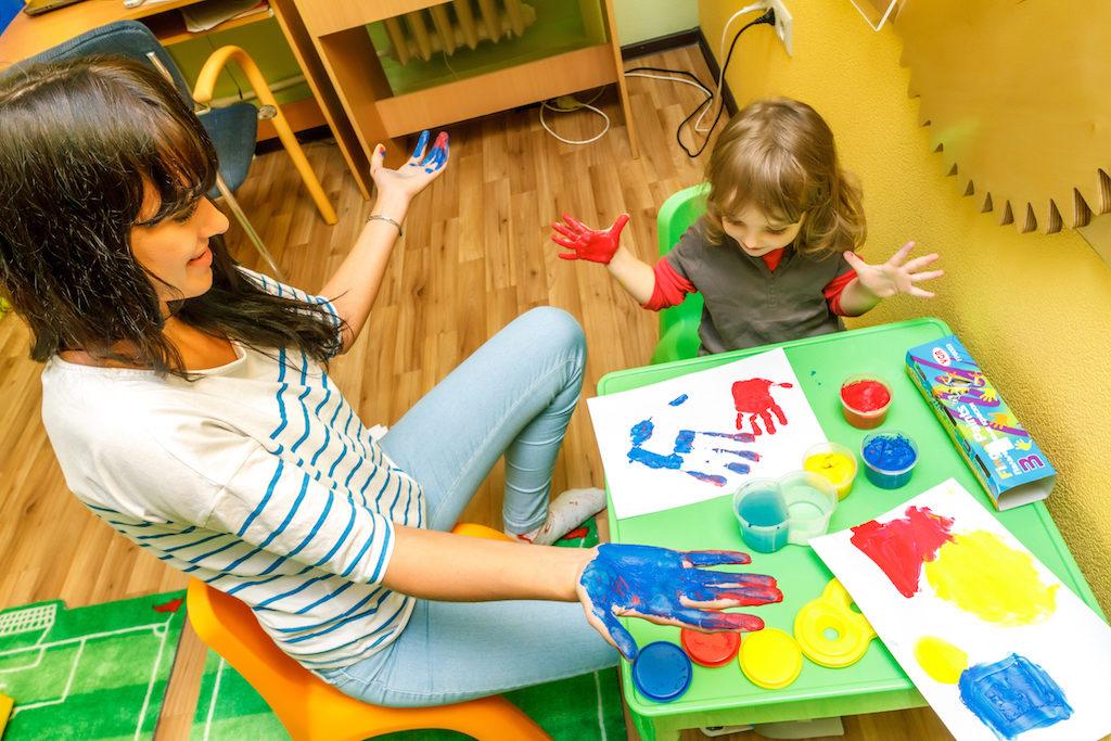 В процессе терапии творчество вплетается в жизнь ребенка, являясь необходимой частью его развития
