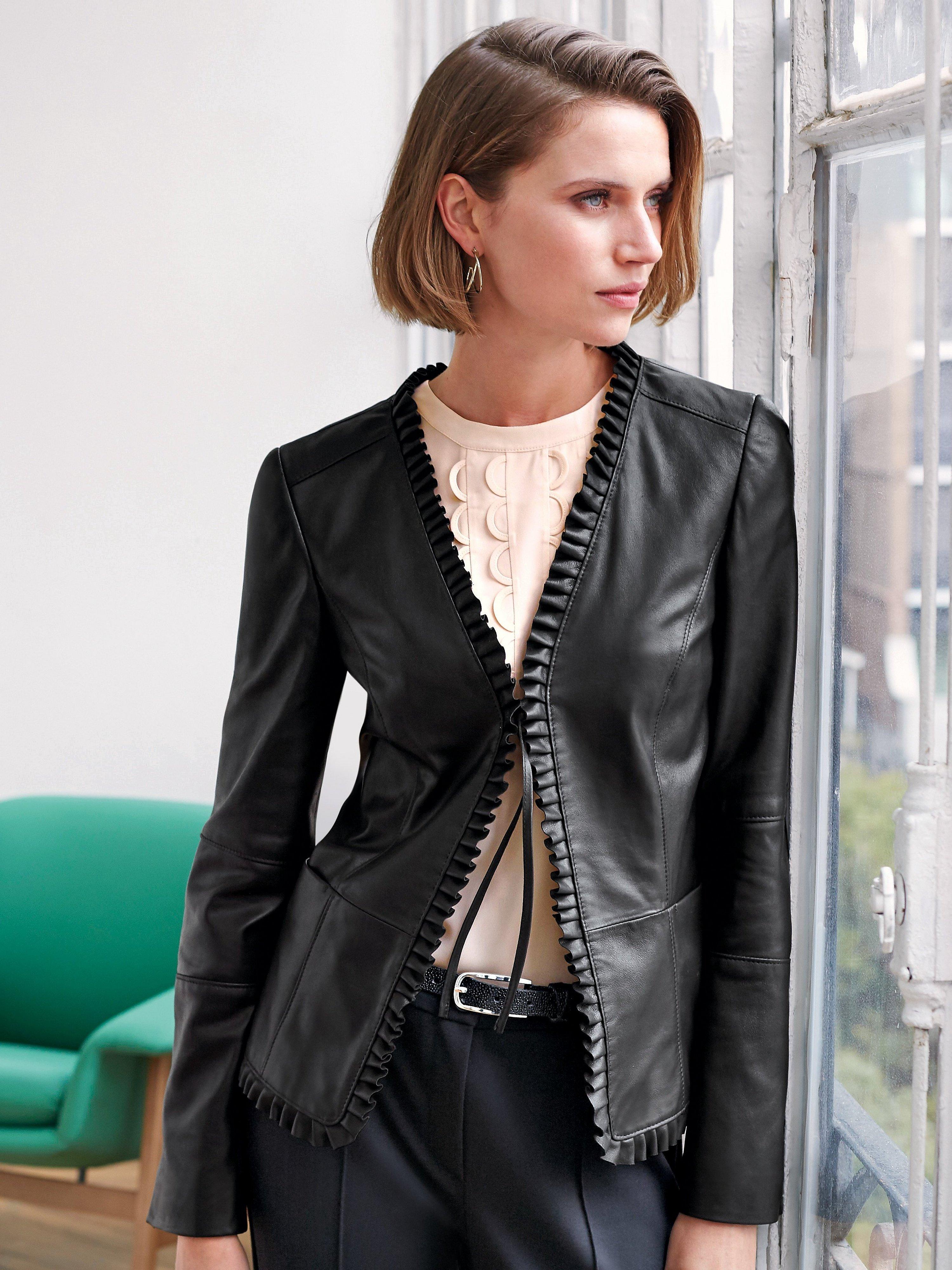 Антитренды весны 2020 - кожаные куртки