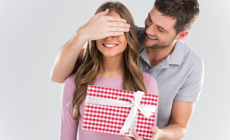 Какие подарки дарят любимым женщинам 61