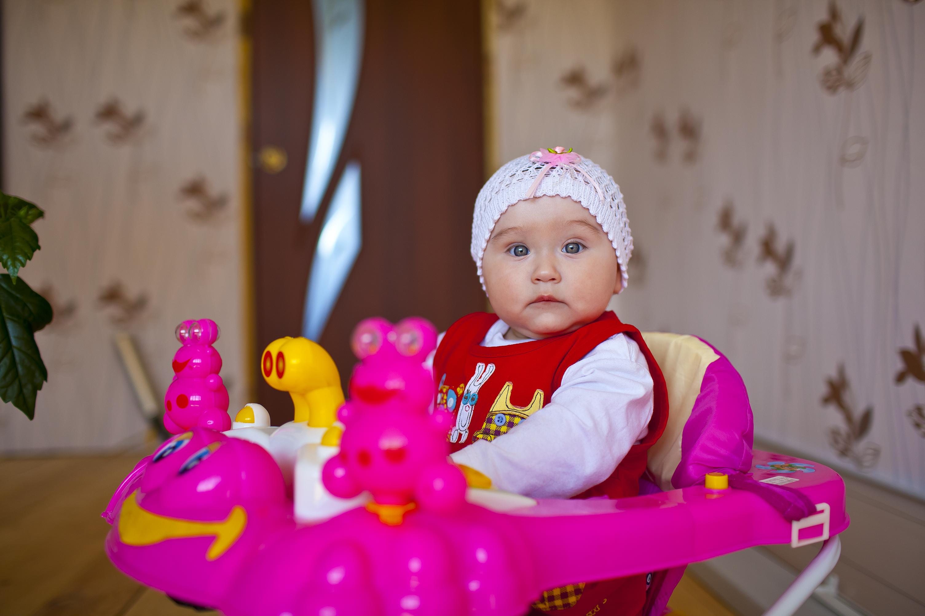 Нужны ли ходунки для малыша