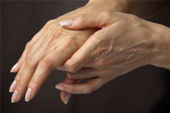 Что делать, если отекают лицо, руки или ноги