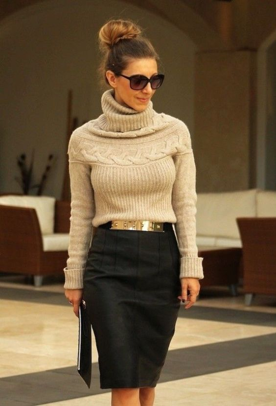 Трикотажный свитер + юбка-карандаш