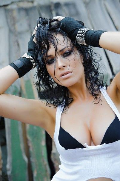 Украинская певица и модель Даша Астафьева