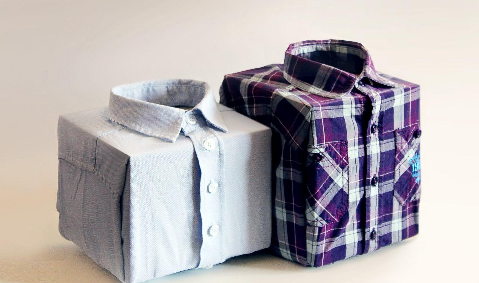 Как красиво уложить футболку в подарок 72