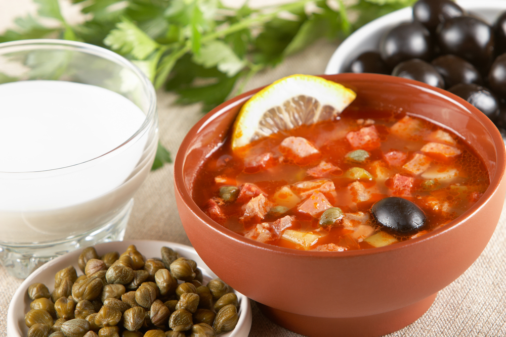 суп солянка сборная мясная. рецепт