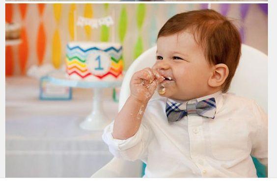 Что подарить ребенку на год: ТОП-10 идей