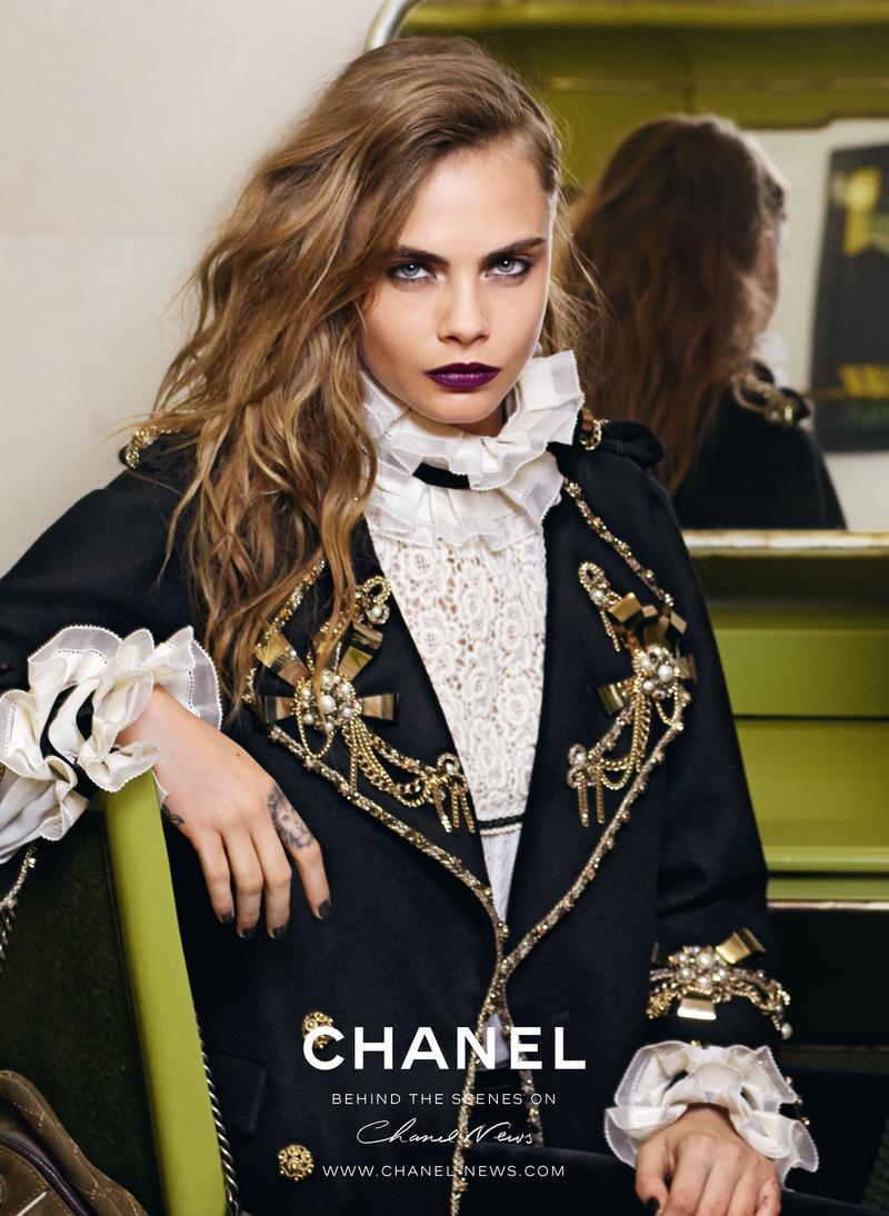 Кара Делевинь в рекламе Chanel: В Сеть попал первый кадр кампании