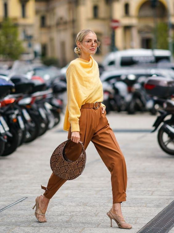 7 свитеров в самом модном цвете будущего года