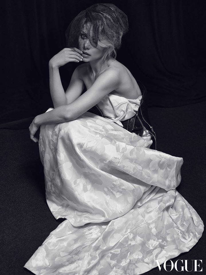 Певица Тина Кароль приняла участие во второй фотосессии для украинского Vogue