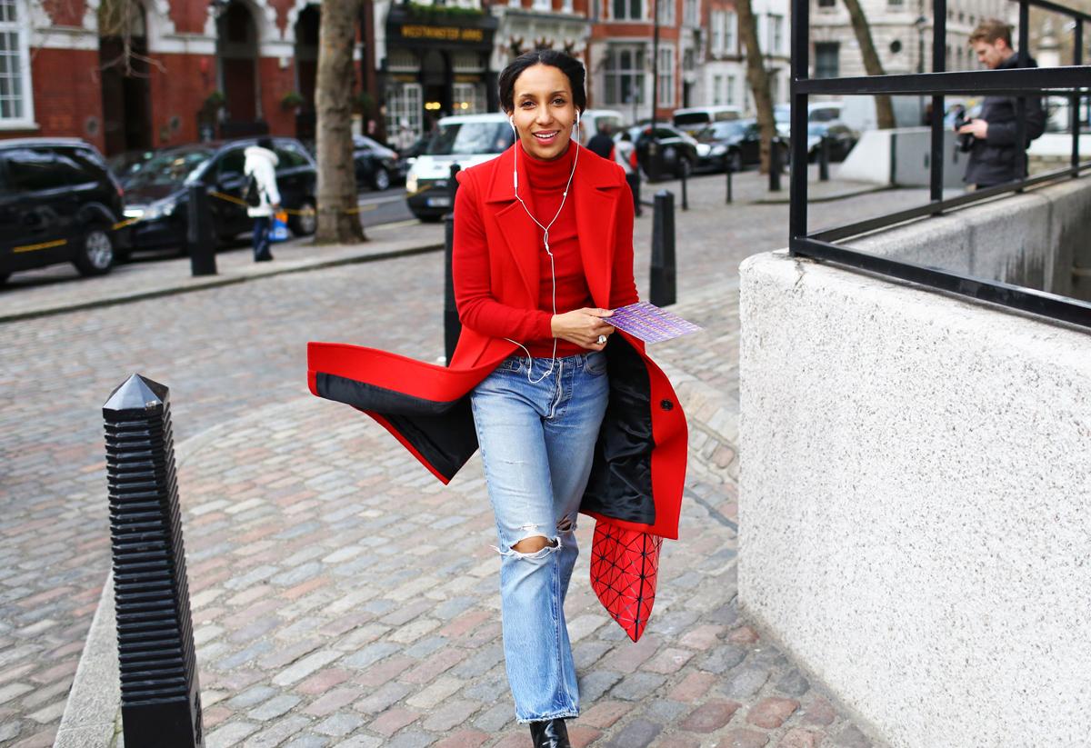 Модницы со всего мира прибыли на Неделю моды в Лондоне