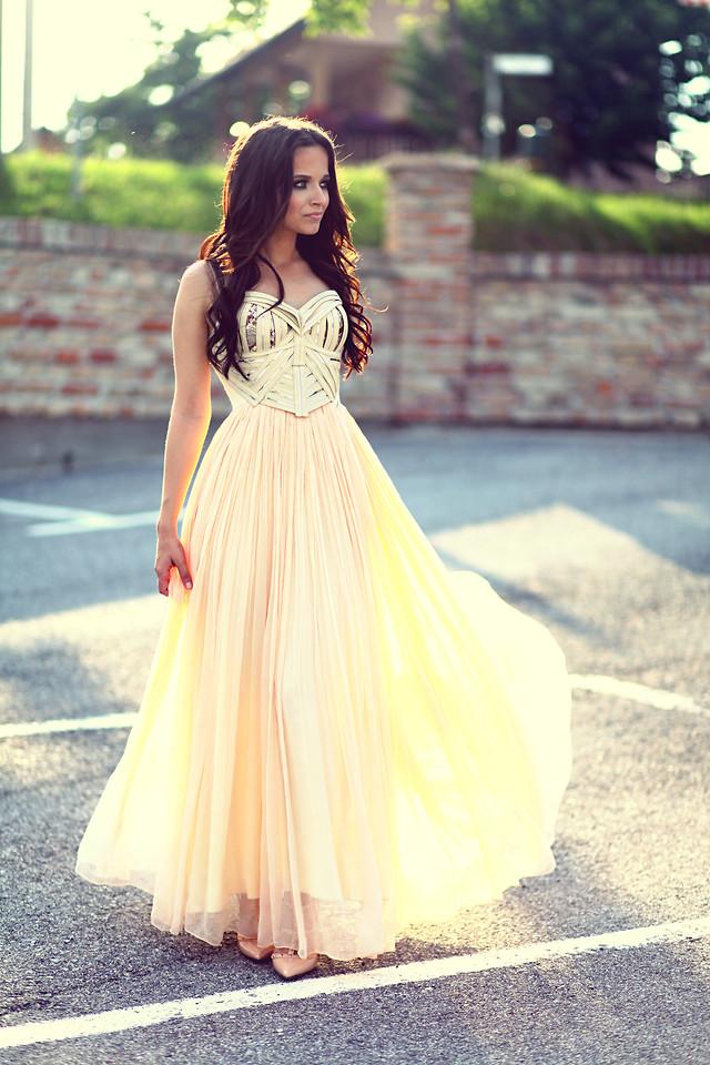 215e464a523 Платья на выпускной  Идеи для бала - Тренды моды