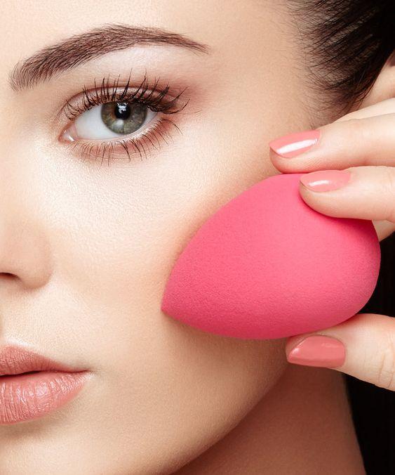 Прелести индустрии красоты: плюсы и минусы бьюти-блендера