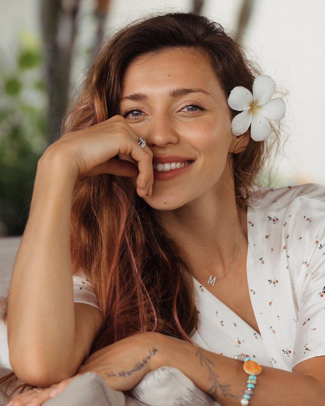 Регина Тодоренко показала, как проводит время на отдыхе