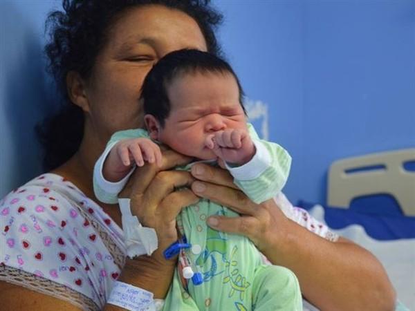 Бразильянка родила 21-го ребенка в возрасте 51 года