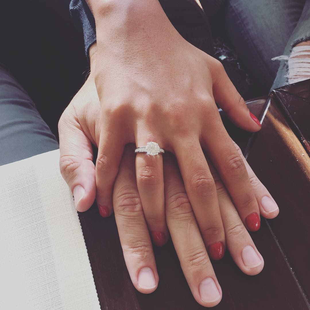 Помолвочное кольцо Санты