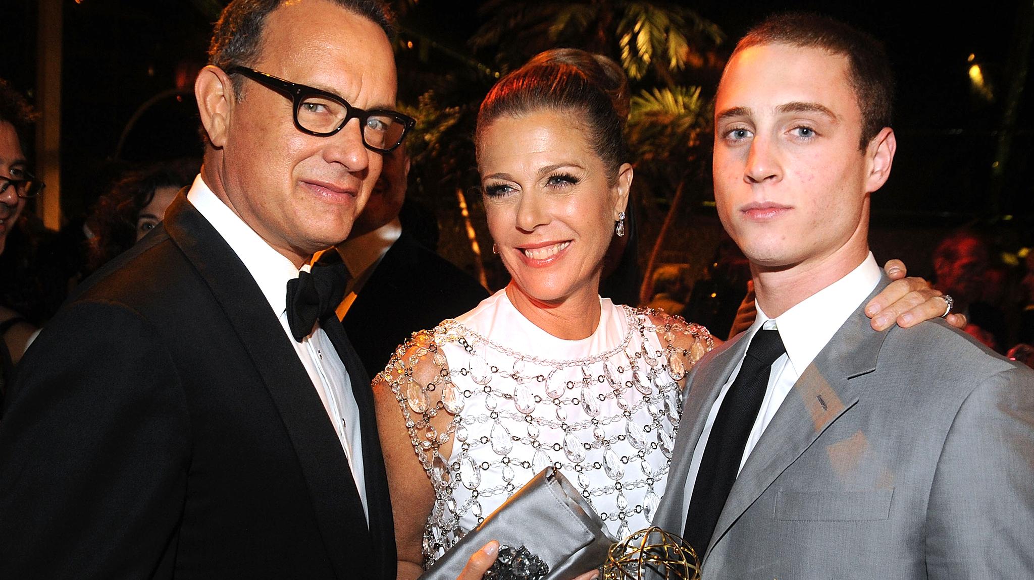 Том Хэнкс и Рита Уилсон с сыном Честером