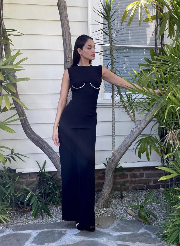 Эйса Гонсалес в Versace