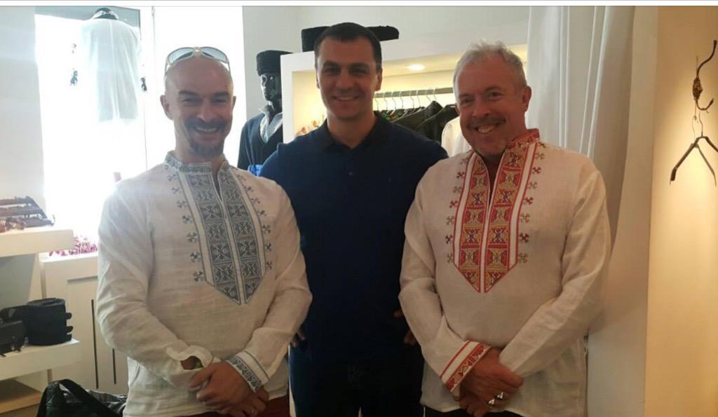 Макаревич вКиеве похвастался вышиванкой