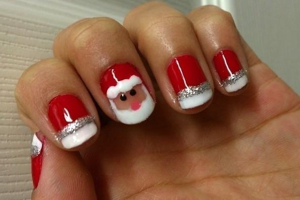 Новогодний дизайн ногтей на коротких ногтях