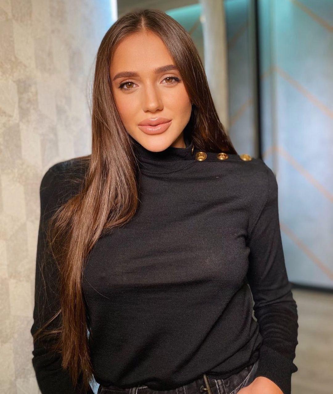 Даша Ульянова поразила обнаженным фото