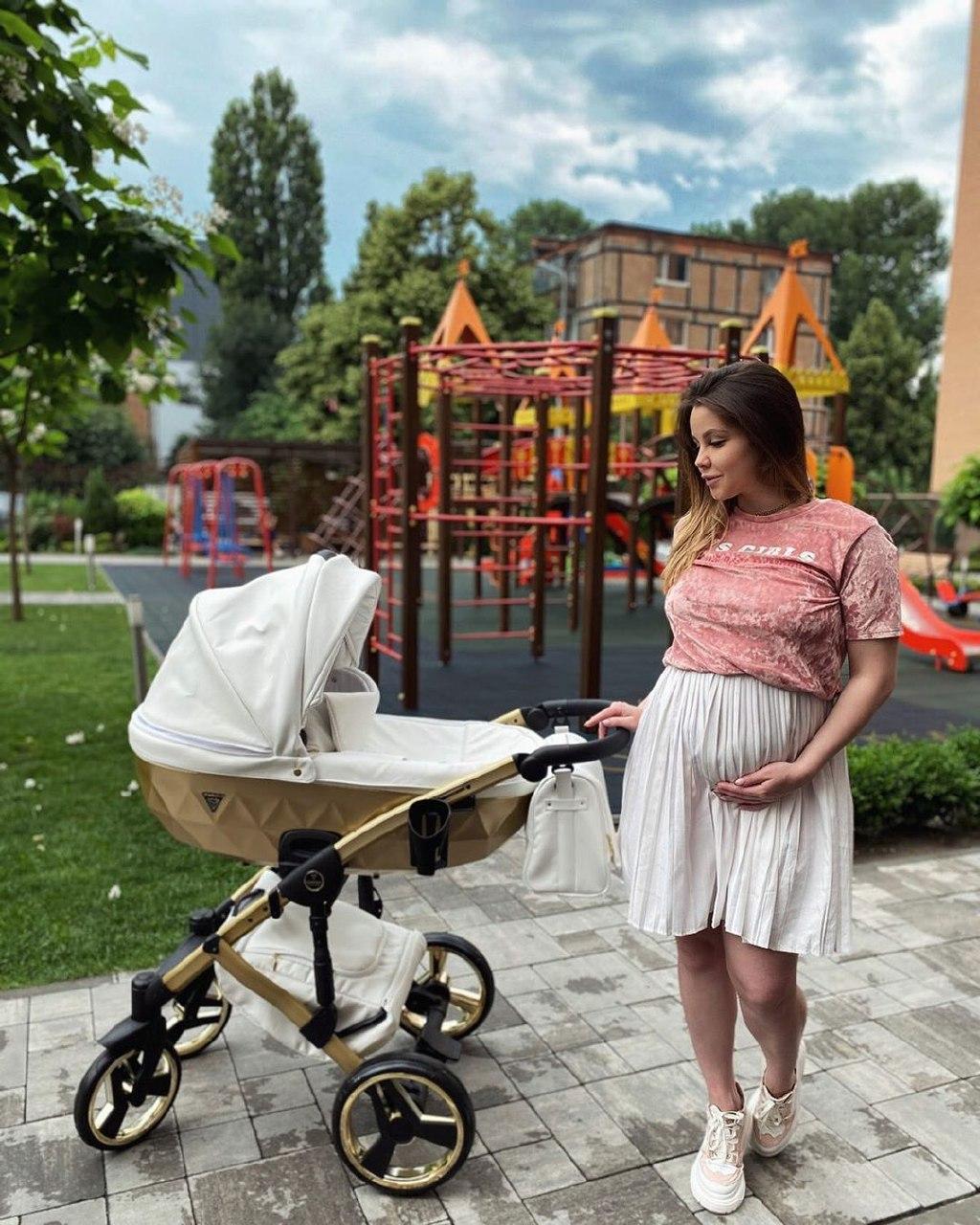5 крутых летних образов для беременных от Влады Роговенко: стильно и удобно