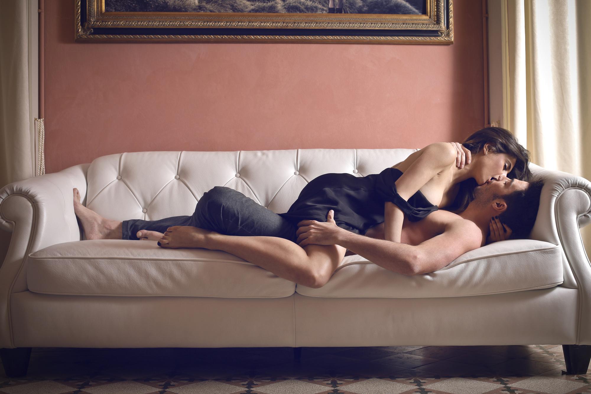 обалденный секс на домашнюю камеру участники участницы