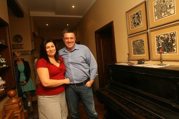 Олег Тягнибок с женой