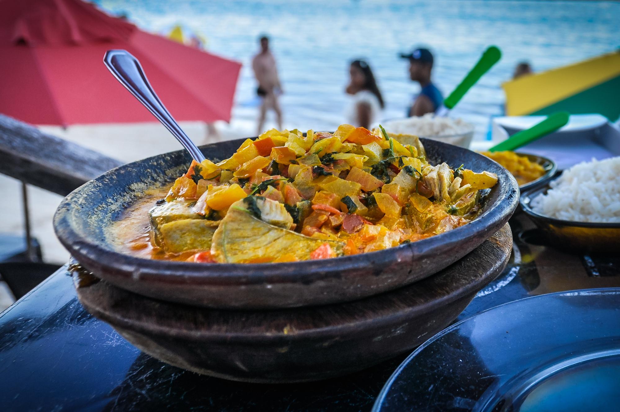 Рецепт бразильской мокеки из хека с овощами