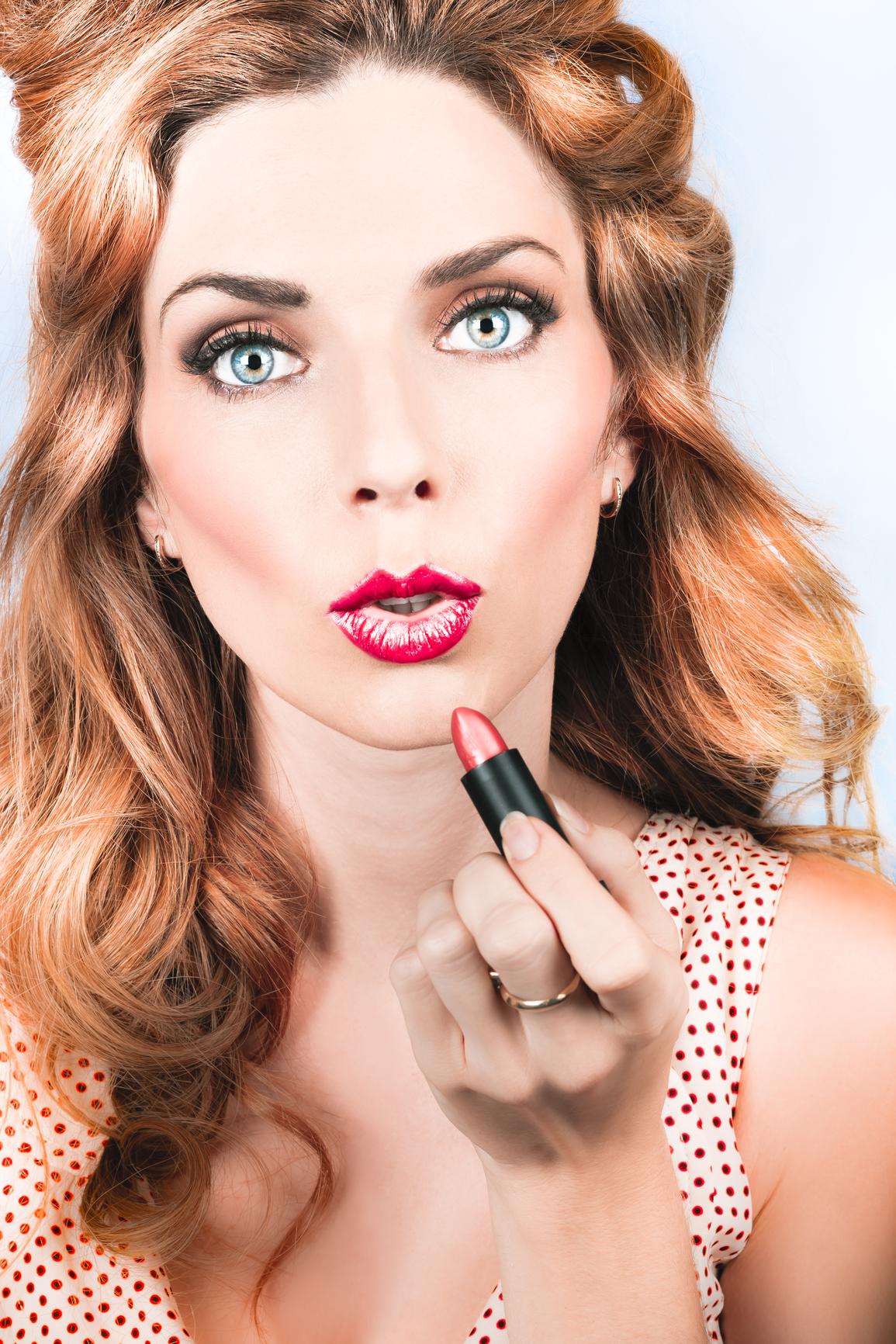 Девушкам с красивым природным контуром губ стоит отказаться от карандаша