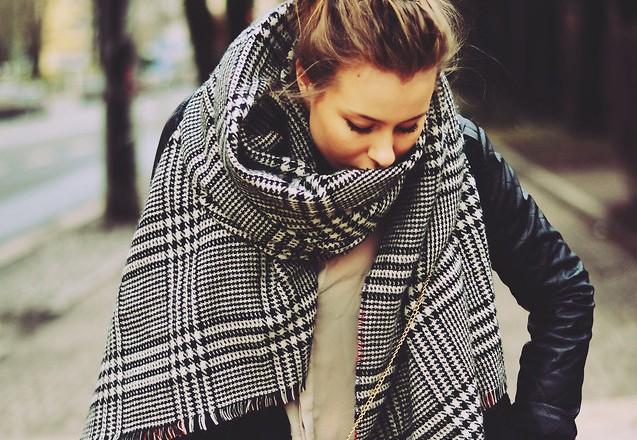 Теплый шарф выручит тебя в любую непогоду
