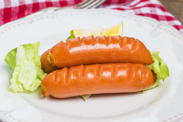 Сосиски в слоеном тесте с сыром рецепт