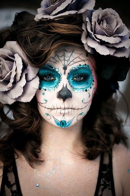 Образ месиканской смерти один из самых ярких вариантов макияжа на Хэллоуин