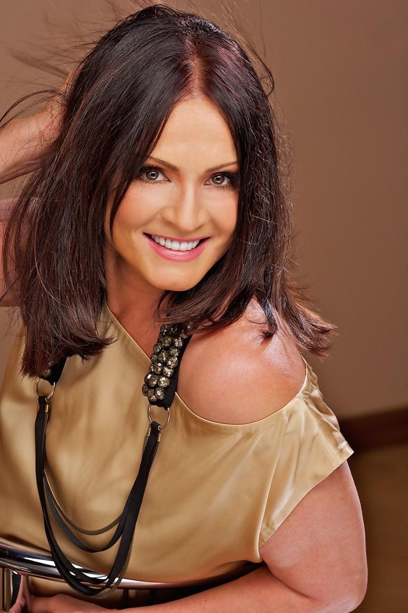 Украинская певица София Ротару стала жертвой обвинений своего деверя