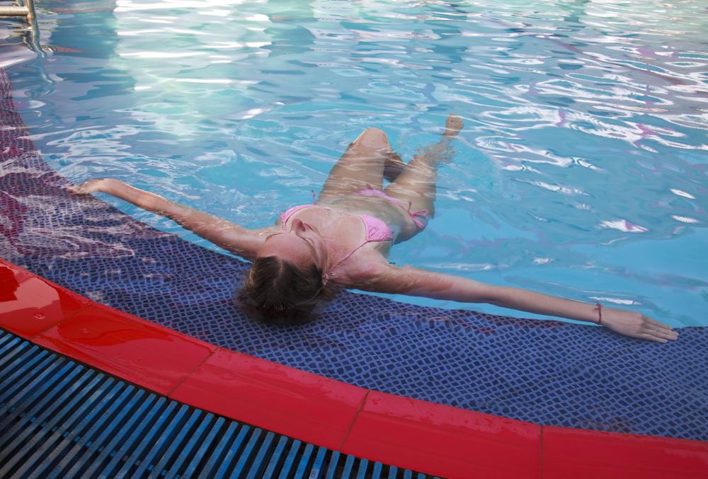 Вредна ли хлорка в бассейне беременным 12