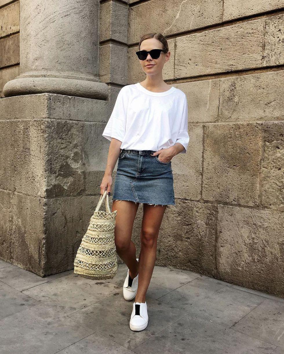 С чем носить белую футболку летом 2020