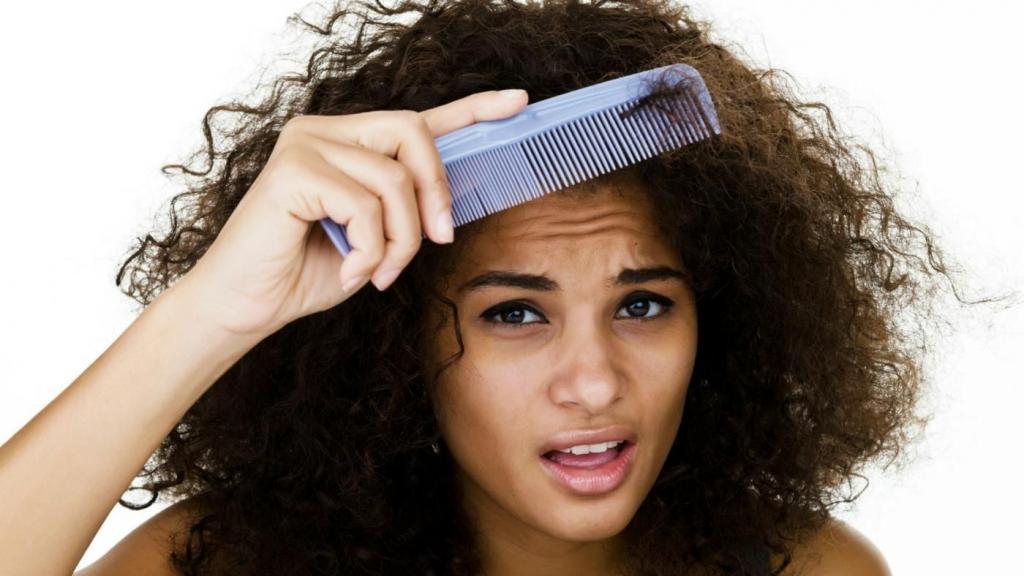 Обладательницы кудрявых волос забудьте о расческах - только пальцами