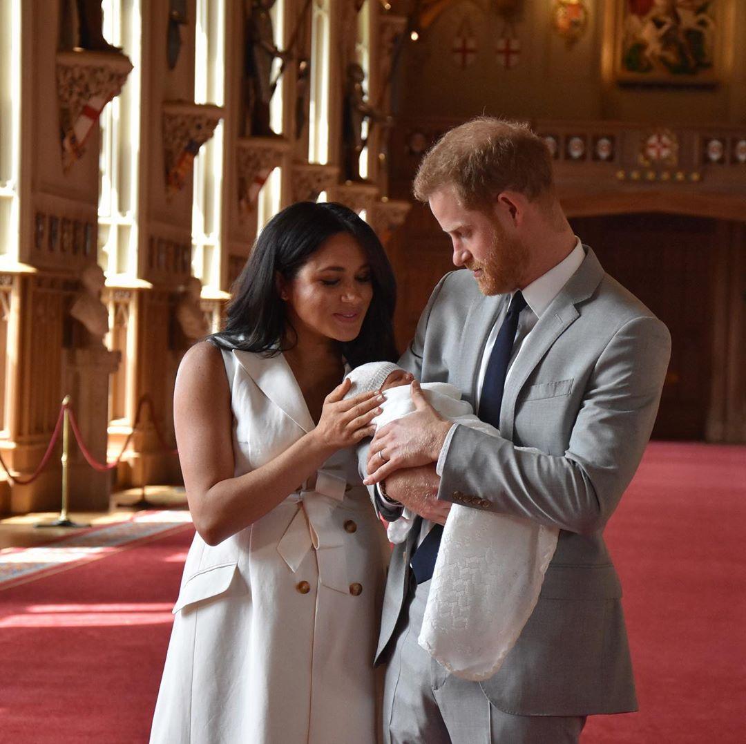 Студия Дисней преподнесла принцу Гарри и Меган Маркл необычный подарок