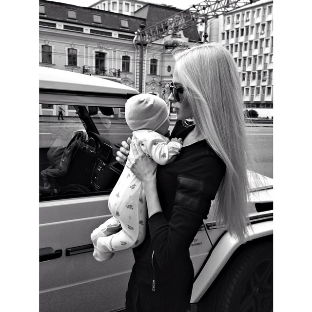 Елена Шишкова с дочкой