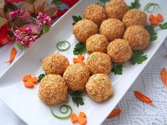 Закусочные шарики с печенью трески: классический рецепт