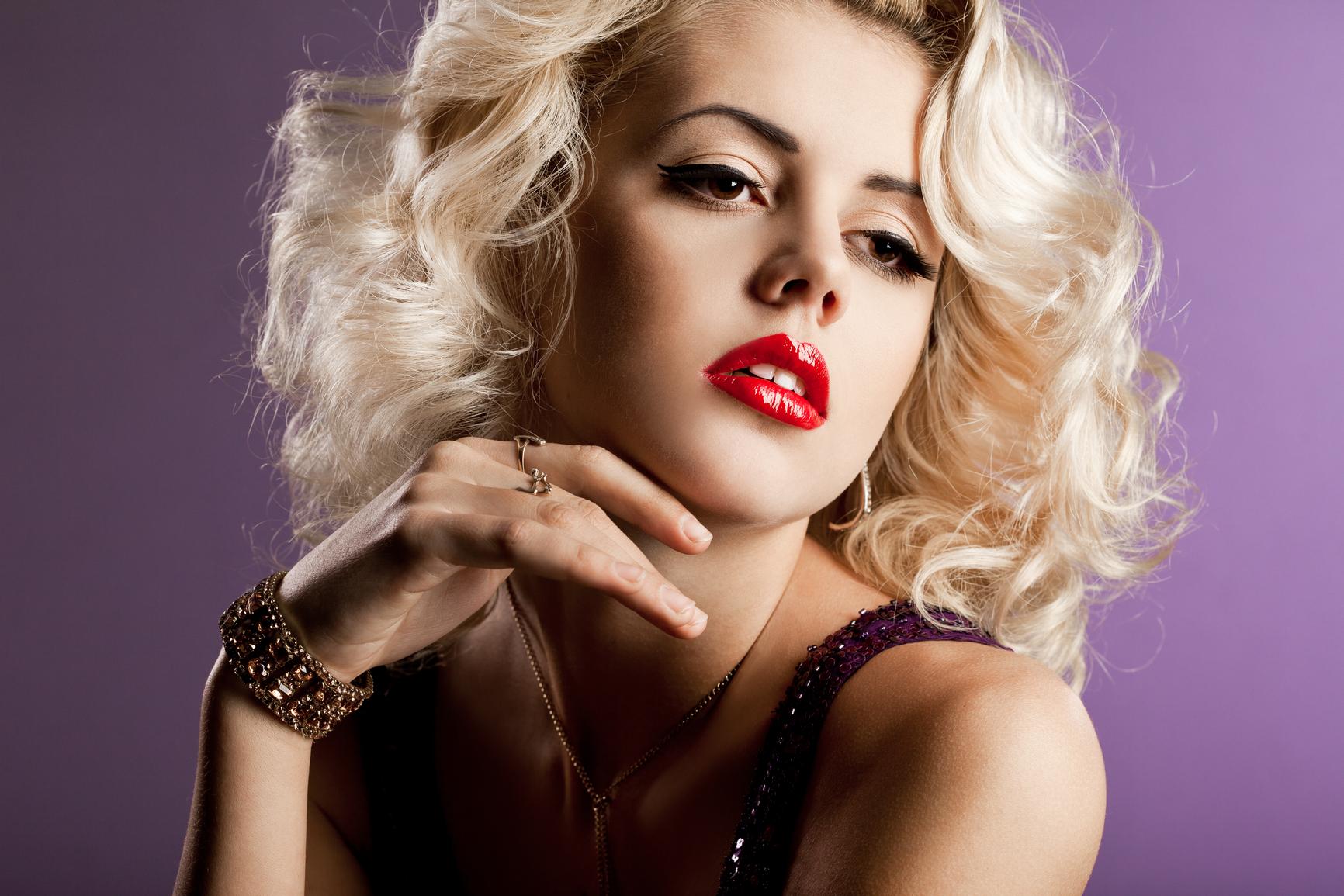 Помни: минимализм в макияже спасет тебя от многих ошибок