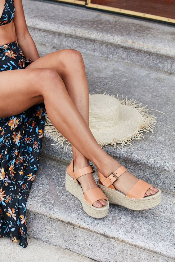 Чтобы быть в тренде: самая модная обувь весны 2021